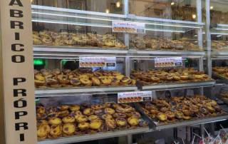 Pastries are popular all day long in Lisbon Tour