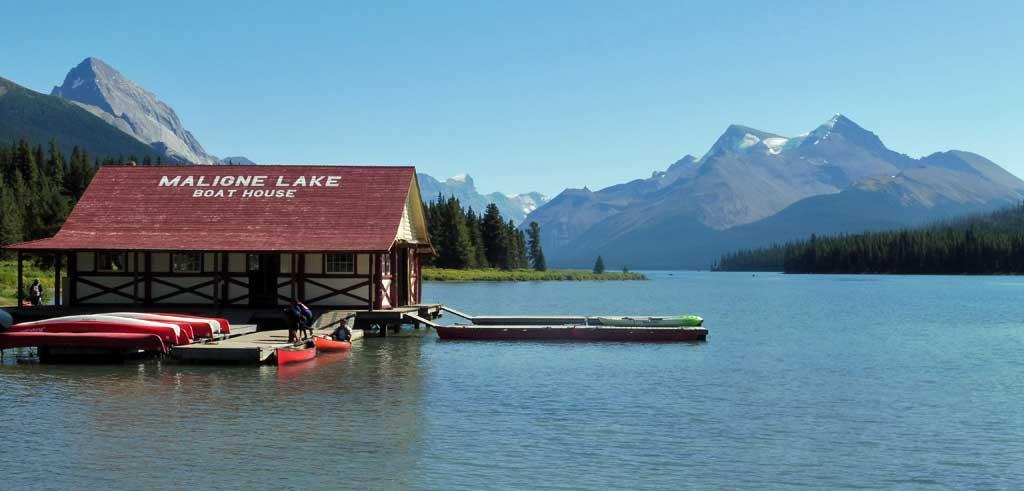 Maligne Lake Boat House, Jasper Tour