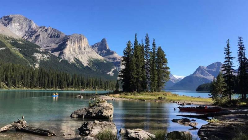 Spirit Island, Maligne Lake, Jasper Tour