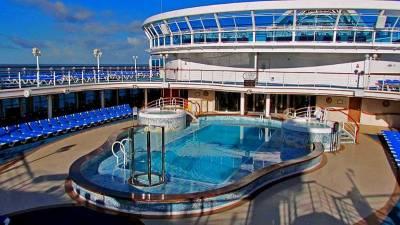 Ocean Cruising, Caribbean Princess, Lido Deck