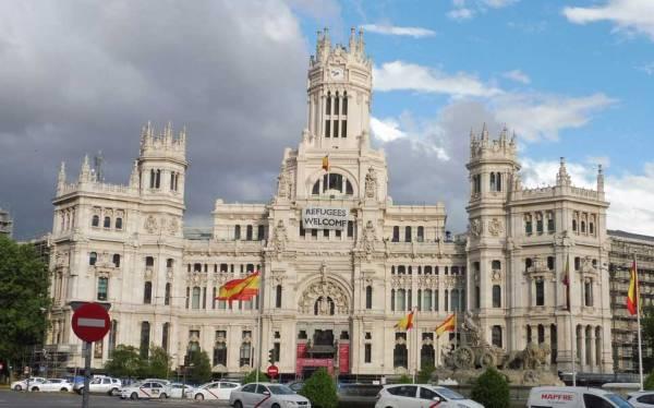 Cibeles Palace, City Hall, Madrid Tour, Spain