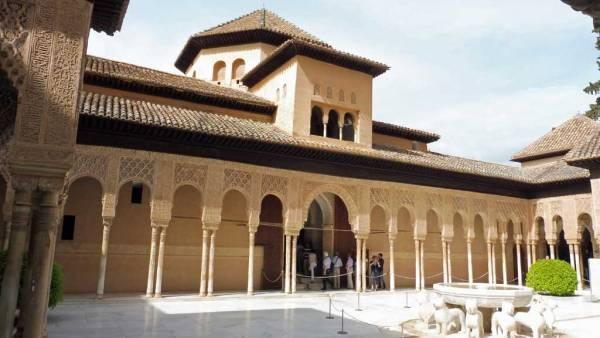 Patio of the Lions, Alhambra Tour, Granada