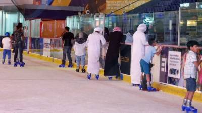 Emirates Visit, Dubai Mall Ice Rink