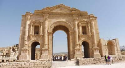 Hadrian's Arch, Visit Jerash
