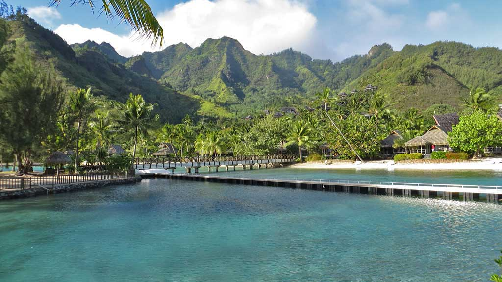 Intercontinental moorea review hotel restaurant for Garden pool bungalow intercontinental moorea