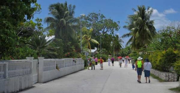 Main Street, Rotoava, Fakarava Shore Excursion