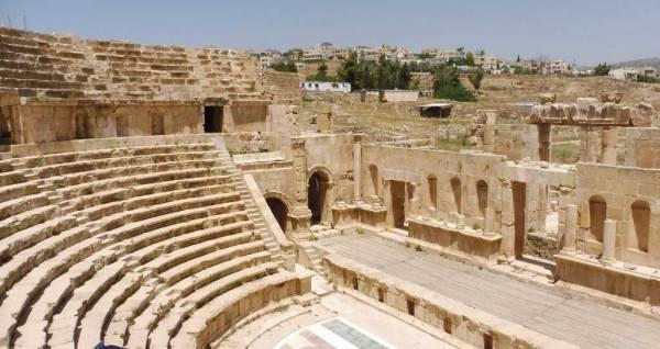 Northern Amphitheater, Visit Jerash