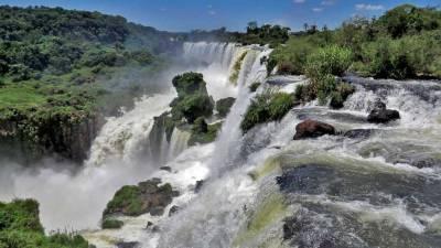 Salto Mbigua Waterfall, Iguazú Falls Argentina Visit