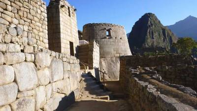 Temple of the Sun and Huayna Picchu, Visit Machu Picchu