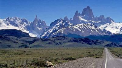 Approaching Visit El Chaltén, Patagonia