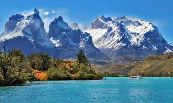 Cuernos del Paine Mountains from Lake Pehoe, Visit Torres del Paine