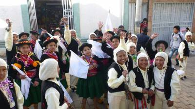 Happy Puno School Kids, Altitude Sickness in Puno