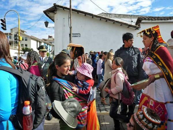 Inti Raymi Performer Working her way through Crowds