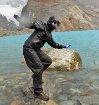 Kathryn, High Winds, Laguna de los Tres, Hiking El Chalten