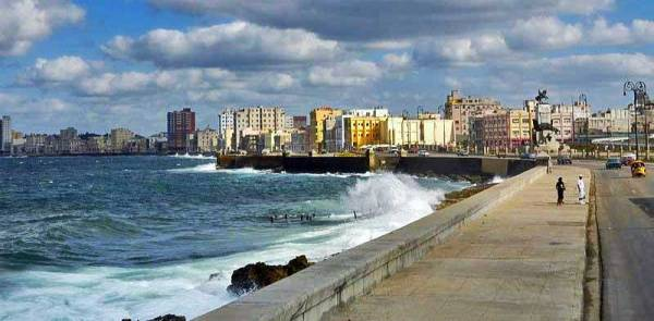 Malecon Sea Wall, Havana, Visit Cuba