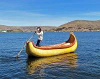 Reed Boat Rowing, Uros Islands Tour