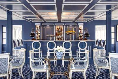 SS River Queen Lounge, Uniworld River Cruises