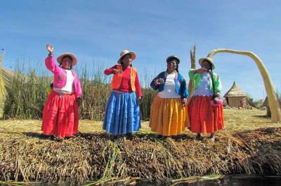 Uros Islands Greeting, Uros Islands Tour