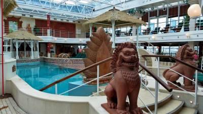 Lotus Pool, Lido Deck, Princess Cruises, Coral Princess Review