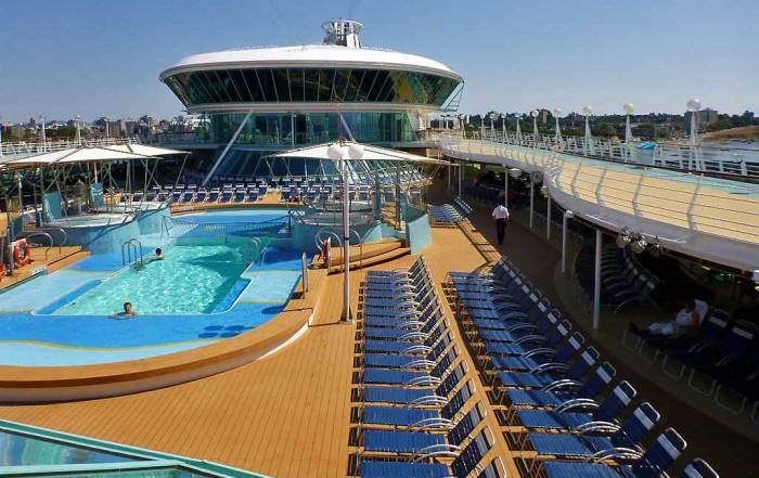 Pool Deck, Viking Crown Lounge, Rhapsody of the Seas Tour