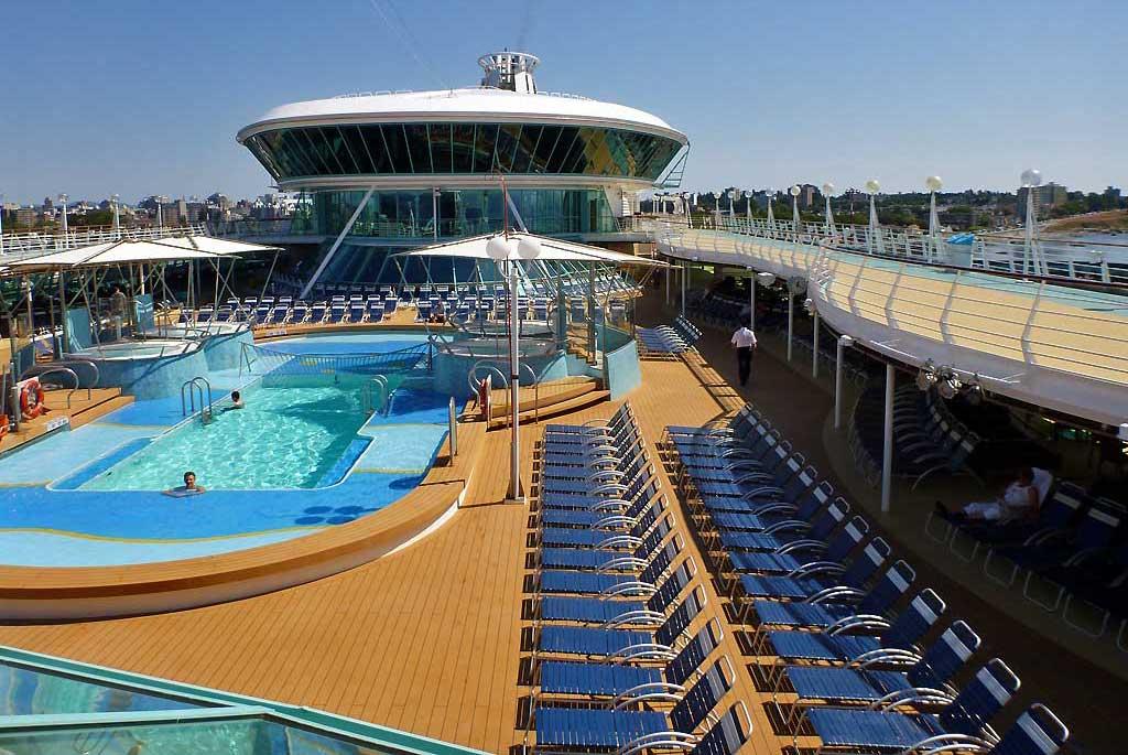 Pool Deck, Viking Crown Lounge, Rhapsody of the Seas Tour