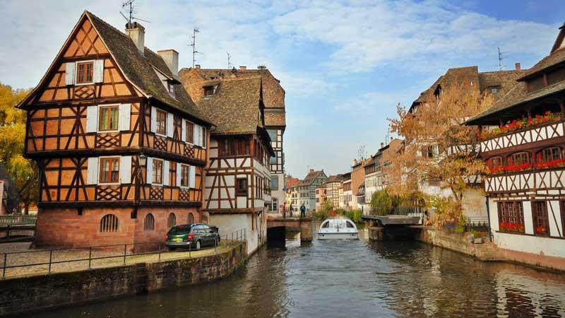 Visit strasbourg old town la petite france orana travel for Flammekueche strasbourg