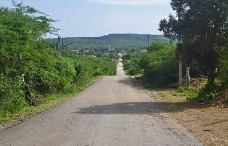 Descending to Rincon, Bonaire Biking Excursion