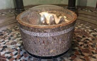 Montserrat Baptismal Shell, Visit Barcelona