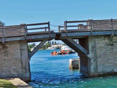Somerset Bridge, Word's Smallest Draw Bridge, Visit Bermuda