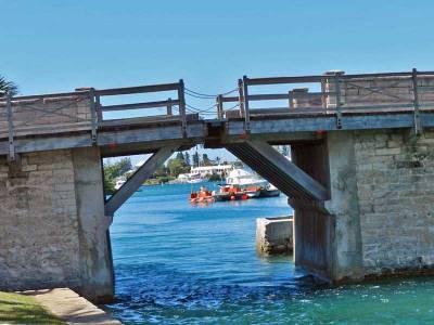 Somerset Bridge, Word's Smallest Draw Bridge, Visit Bermuda