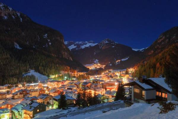 Canazei at Night, Visit the Dolomites