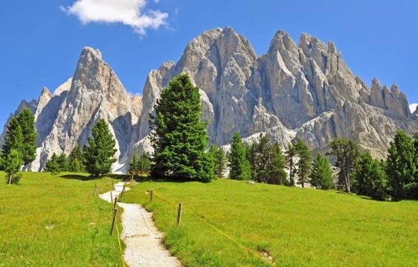 Puez Geisler, Puez Odle Hiking Trail, Visit the Dolomites