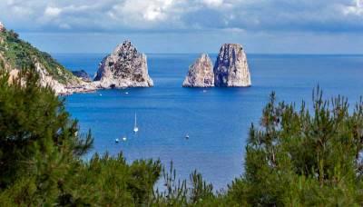 Faraglioni, Visit Capri
