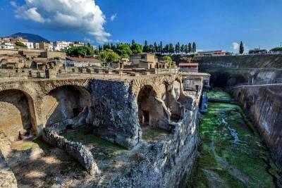 Herculaneum Ruins near Naples, Visit Naples