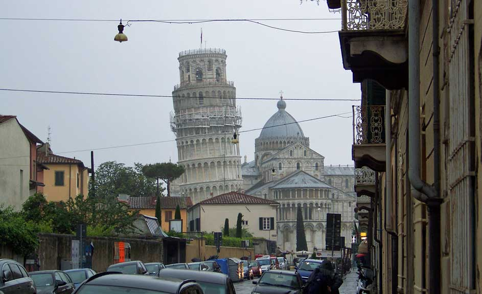 Leaning Tower Approach, Pisa Self Guided Tour