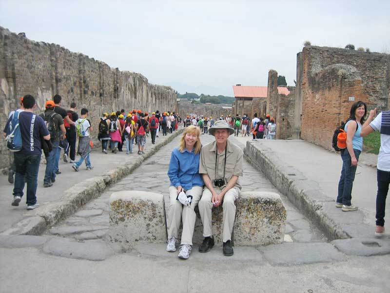 Pompeii Tourist Crowds, Pompeii Day Trip