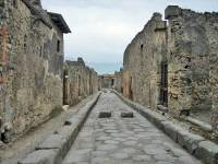 Two Way Chariot Street, Pompeii Day Trip