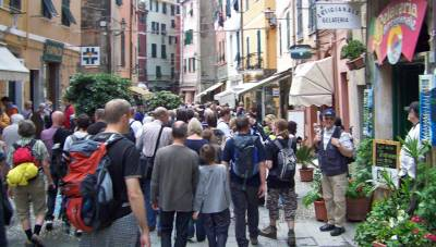 Vernazza Busy Tourist Holiday, Five Cinque Terre Villages