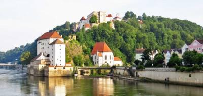 nube River meets IIlz River, Visit Passau