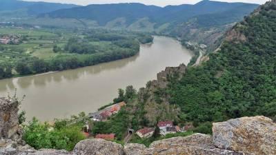 Danube River, Wachau Valley from Burgruine Caslte Ruins, Visit Dürnstein