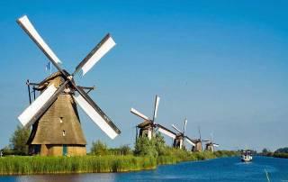 Kinderdijk Windmills, Rhine River Cruise