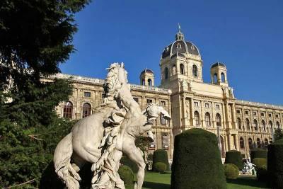 Natural History Museum, Visit Vienna