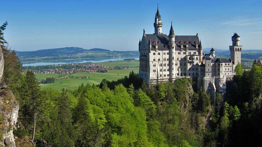 Neuschwanstein Castle from Queen Mary's Bridge, Visit Füssen