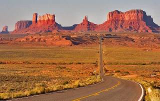 Monument Valley Approach, Grand Canyon Area Tour