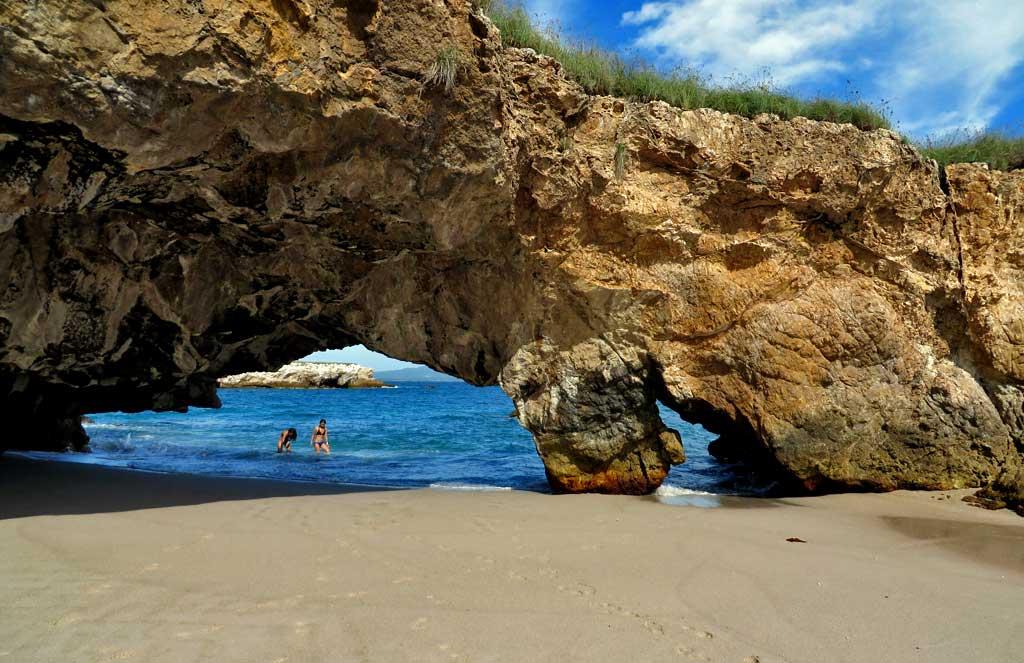 Beach and Arch, Marietas Islands Day Trip