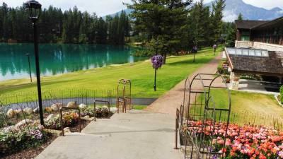 Fairmont Jasper Park Lodge, Visit Jasper Park Lodge