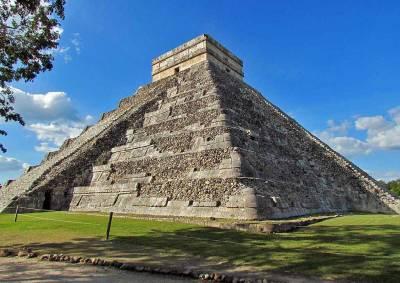 Kukulkan Pyramid, Chichén Itzá Tour