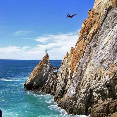 La Quebrada Cliff Diver, Visit Acapulco
