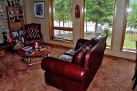 Living Room, Mountain River Lodge, Mount Robson