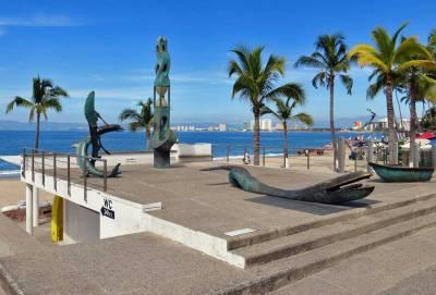 Malecón Promenade, Visit Puerto Vallarta